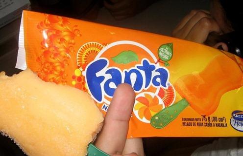 Helado de Fanta naranja - O refrigerante é gostoso, mas o sorvete... rs