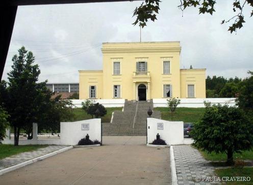 La Casa Amarilla, na entrada de La Boca